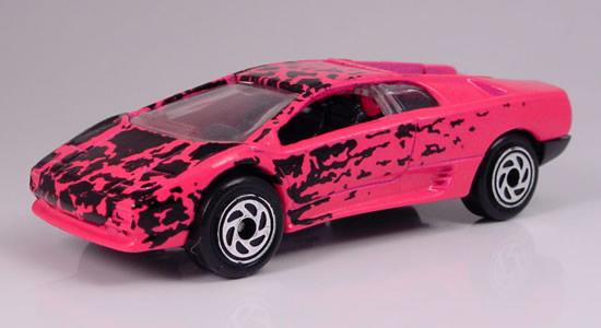 mb232 lamborghini diablo t pink with black graphics